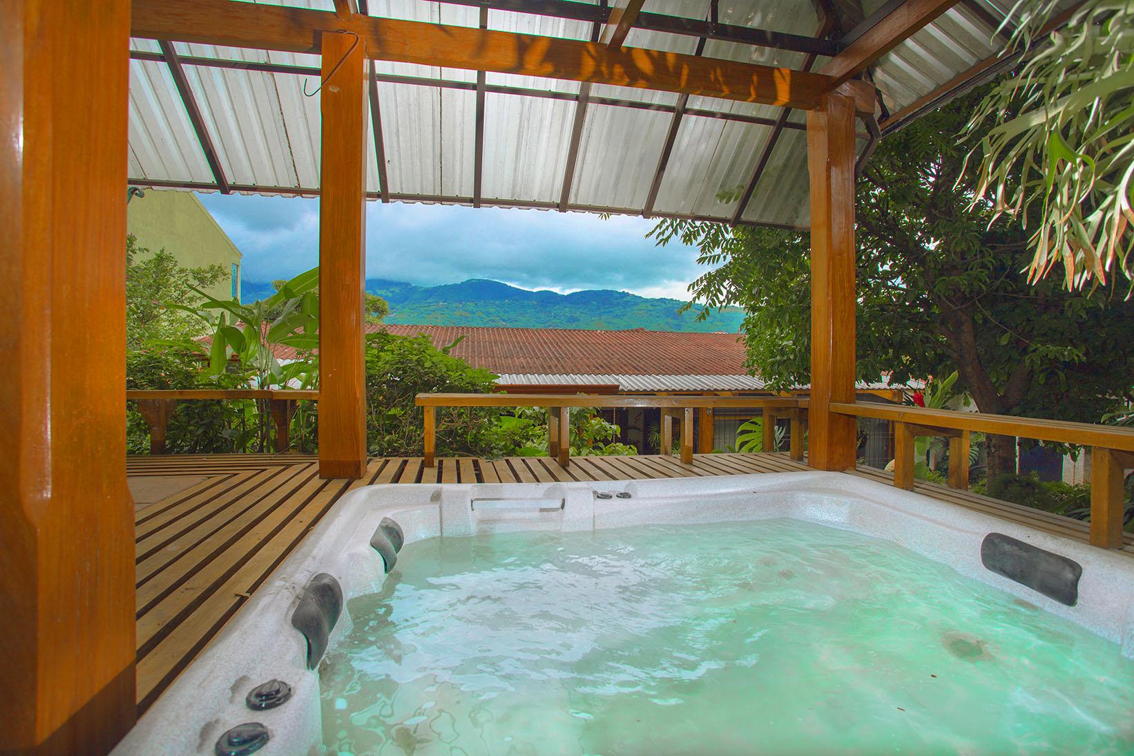 Частный односемейный дом для того Продажа на Colonial Style with Great Location Escazu, Сан-Хосе, Коста-Рика
