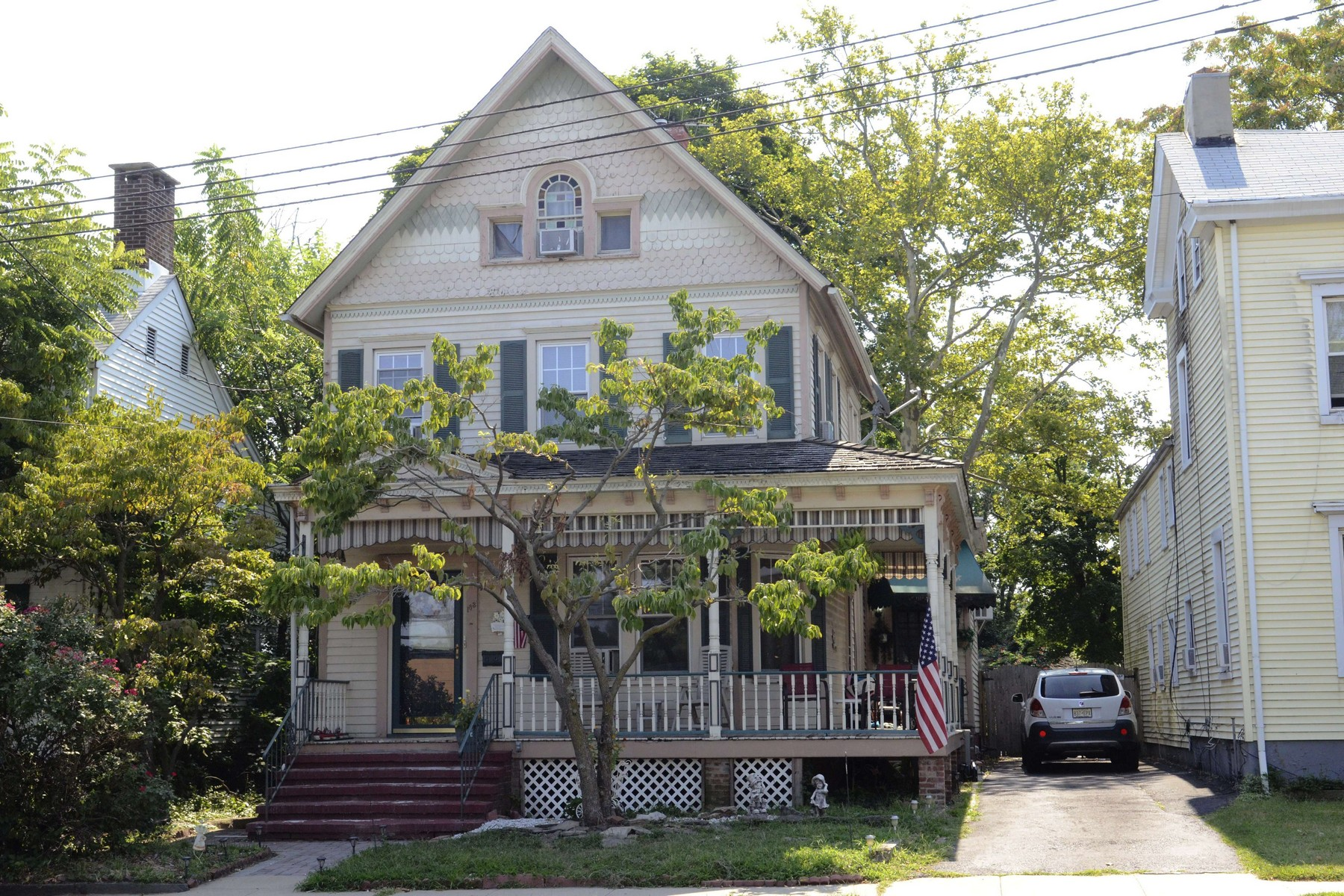 Single Family Home for Sale at Fabulous, Spacious Victorian - Live & Work at Home 183 Main St. Matawan, New Jersey 07747 United States