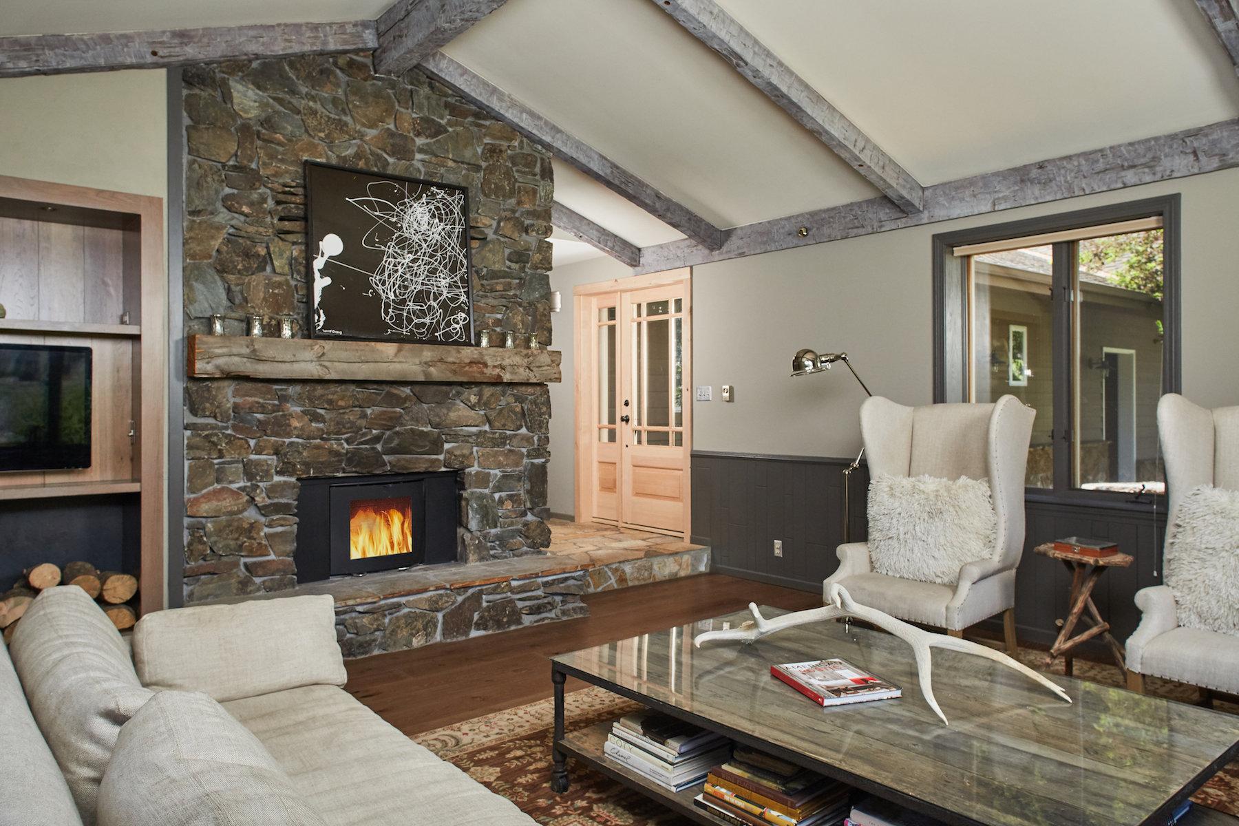 sales property at Bridger Canyon Estate
