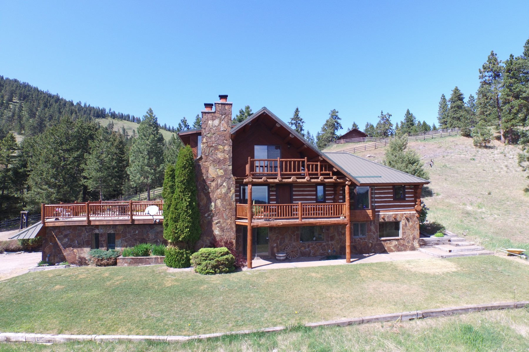 sales property at Log Cabin Lake Views