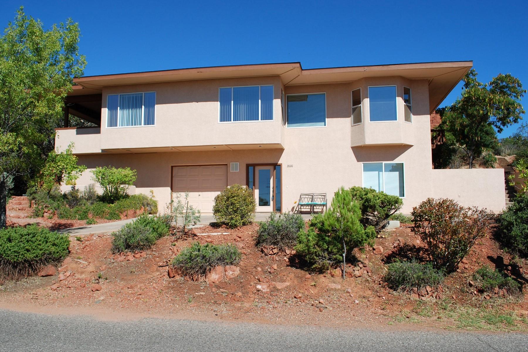 Частный односемейный дом для того Продажа на Transformed home centrally located in West Sedona 2000 Maxwell House Drive Sedona, Аризона 86336 Соединенные Штаты