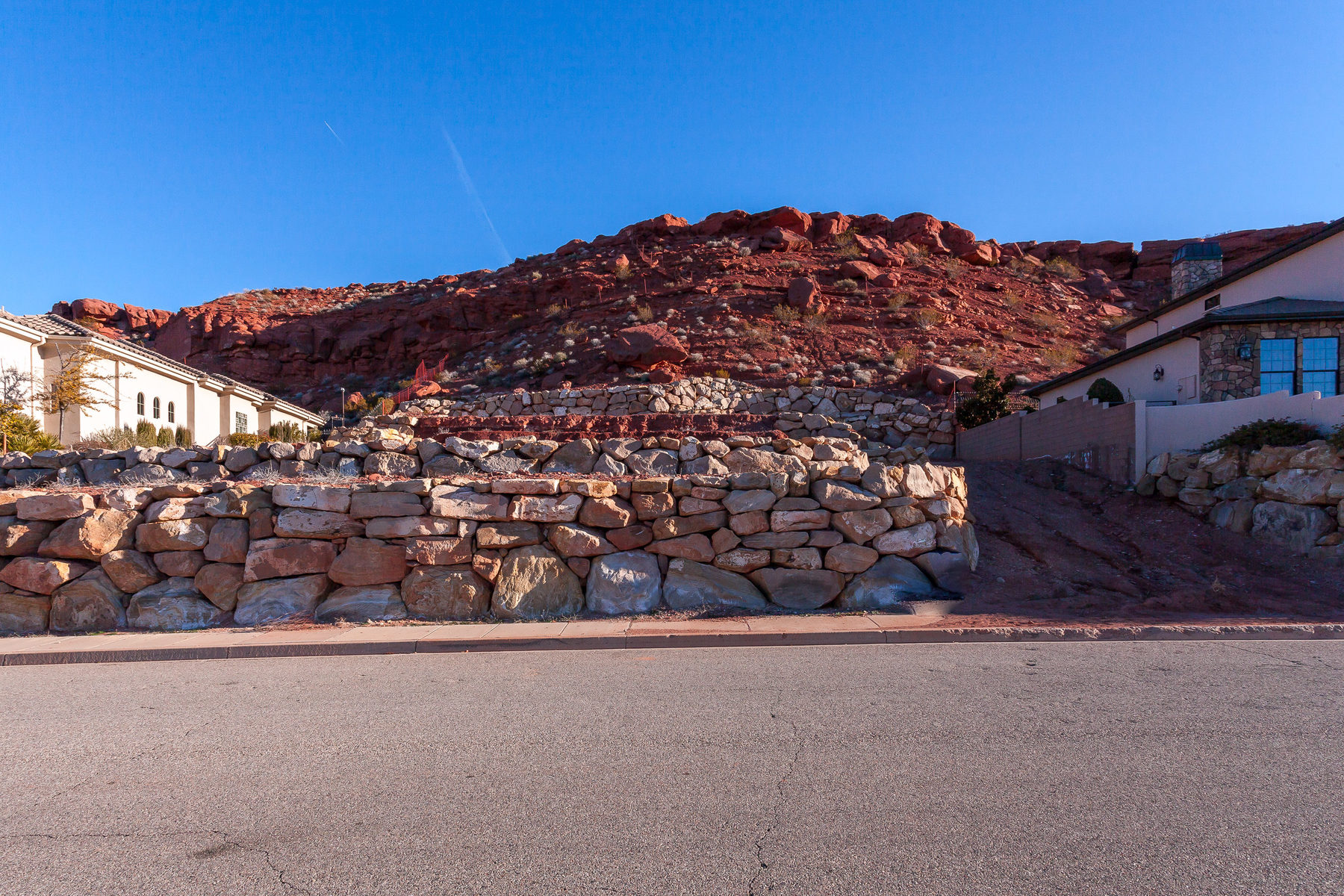 Terreno para Venda às Superb Castle Rock Building Site 2202 N Cascade Canyon St. George, Utah, 84770 Estados Unidos