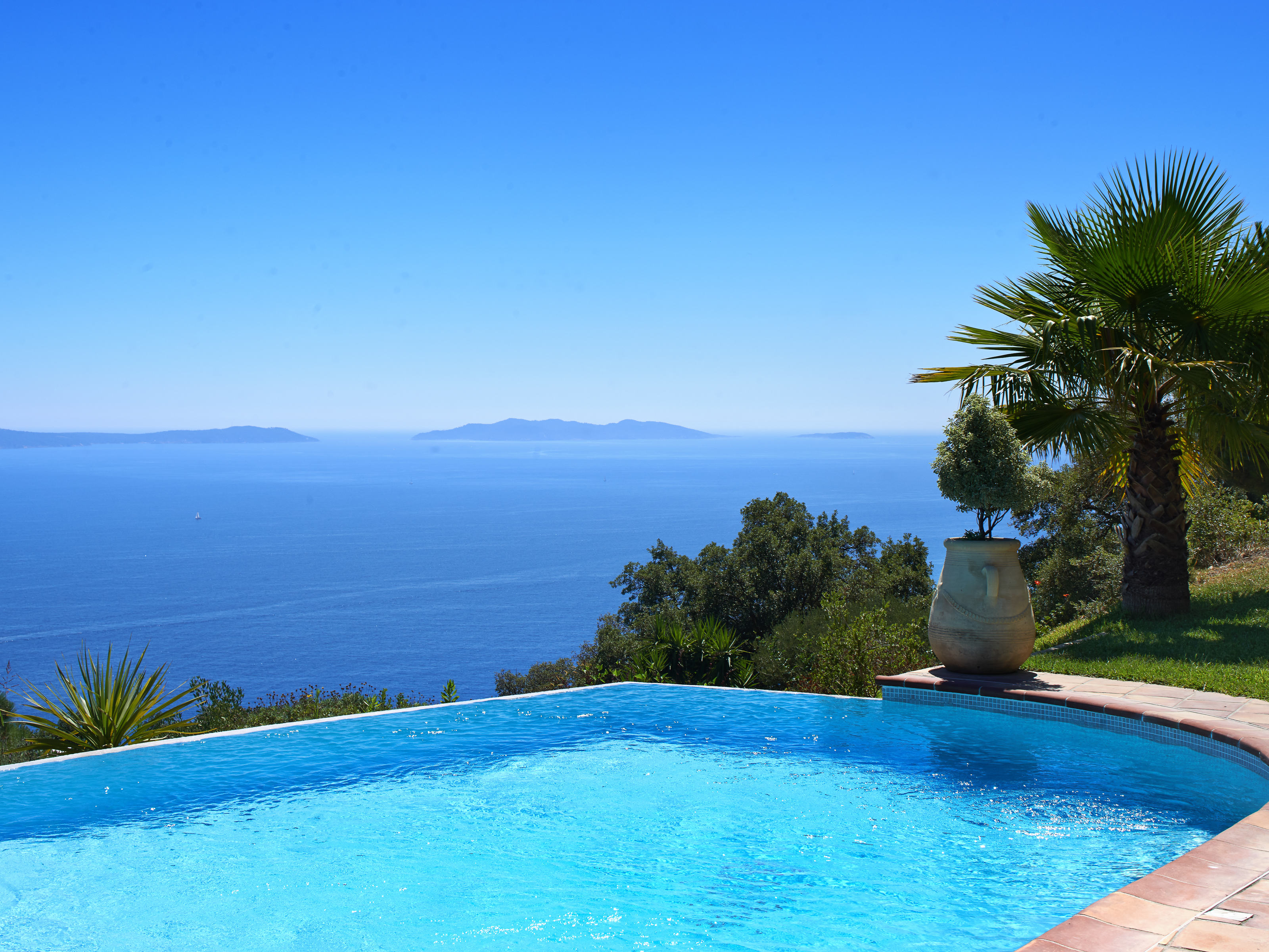 Single Family Home for Sale at Luxurious provençal style property with exceptional sea views Other France, Other Areas In France 83820 France