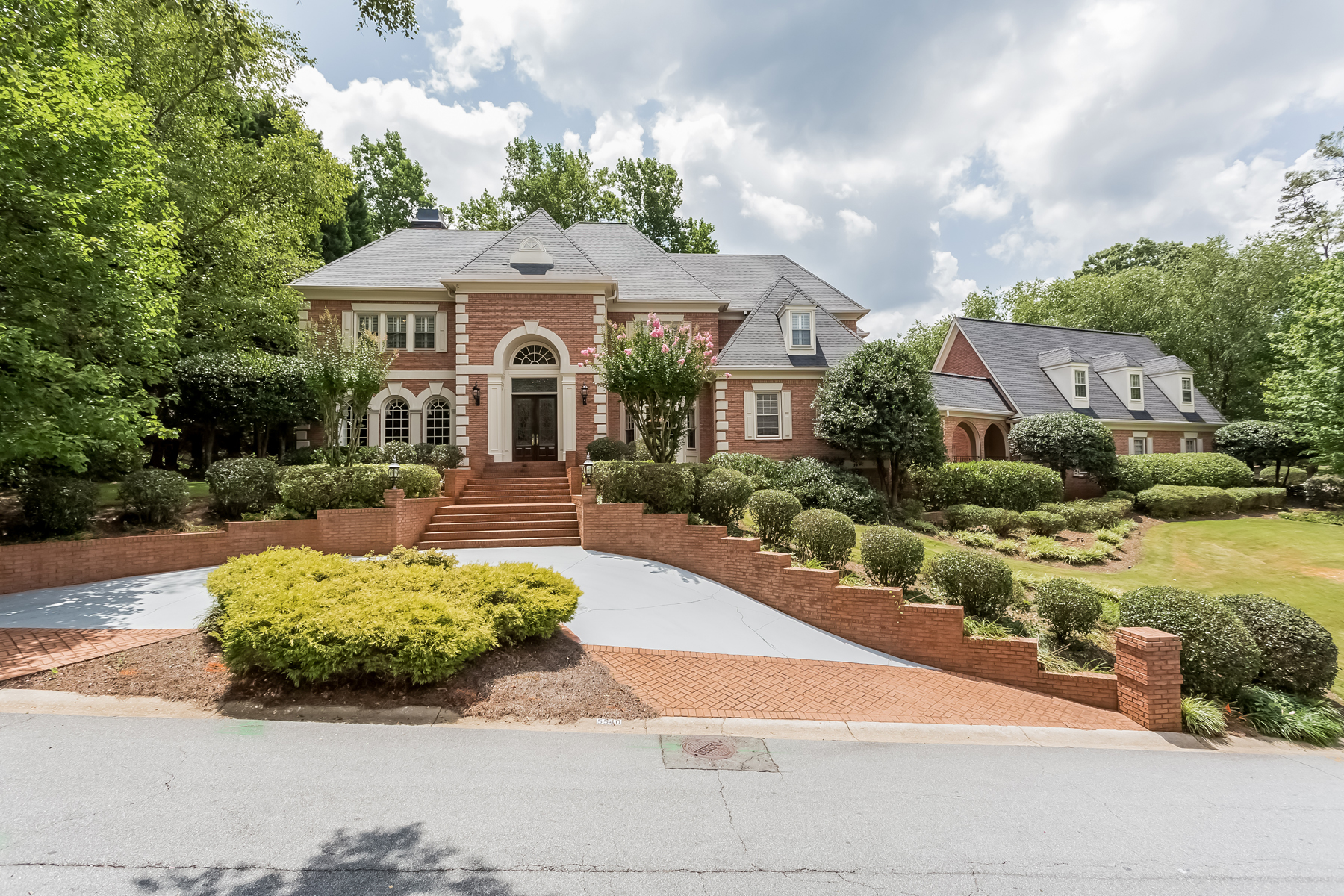 Maison unifamiliale pour l Vente à Expansive East Cobb Custom Home 5540 Waterford Green Glen Marietta, Georgia, 30068 États-Unis