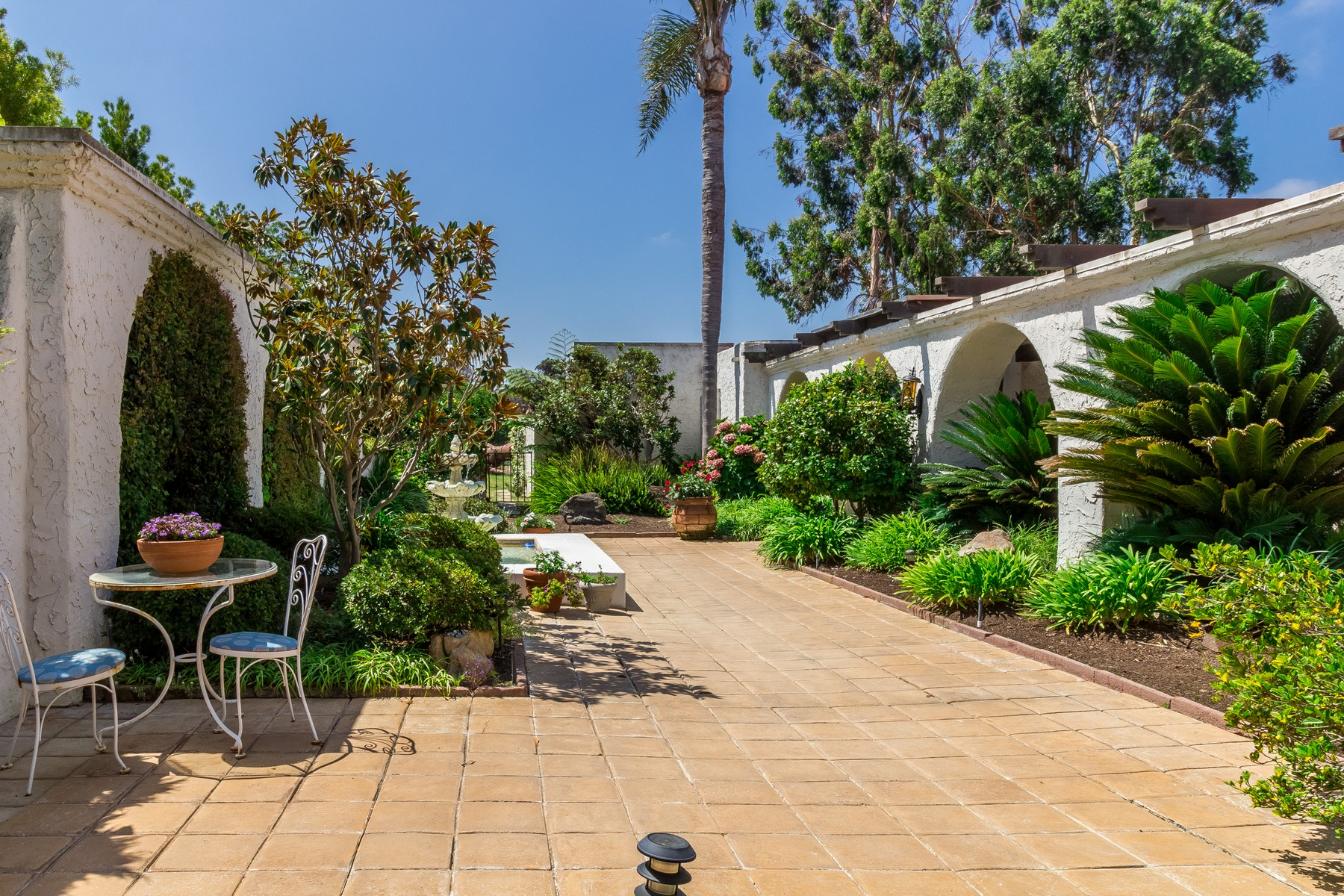 Single Family Home for Sale at 7261 Almaden Lane Carlsbad, California 92009 United States