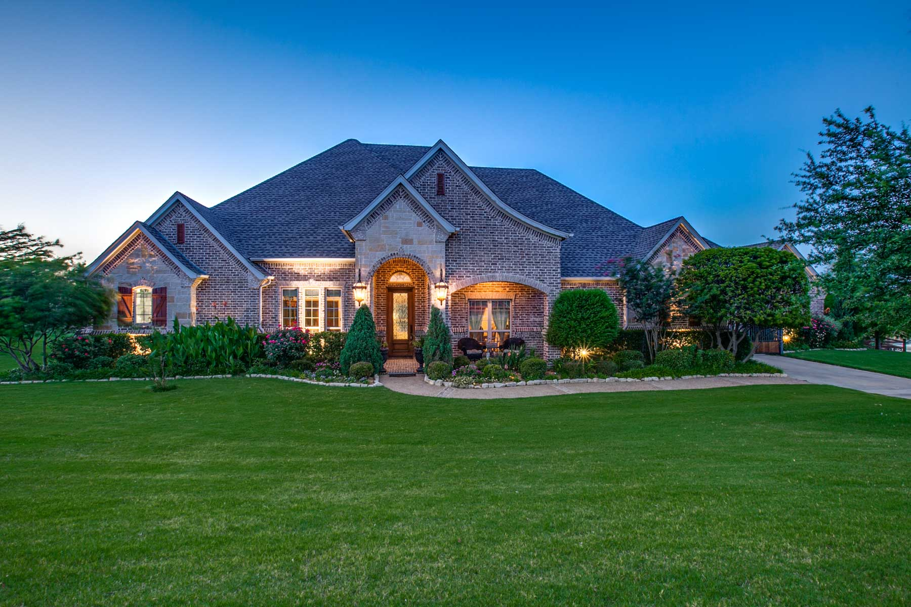 Single Family Home for Sale at Vista Ranch Beauty 1309 Meredith Creek Lane Fort Worth, Texas, 76179 United States