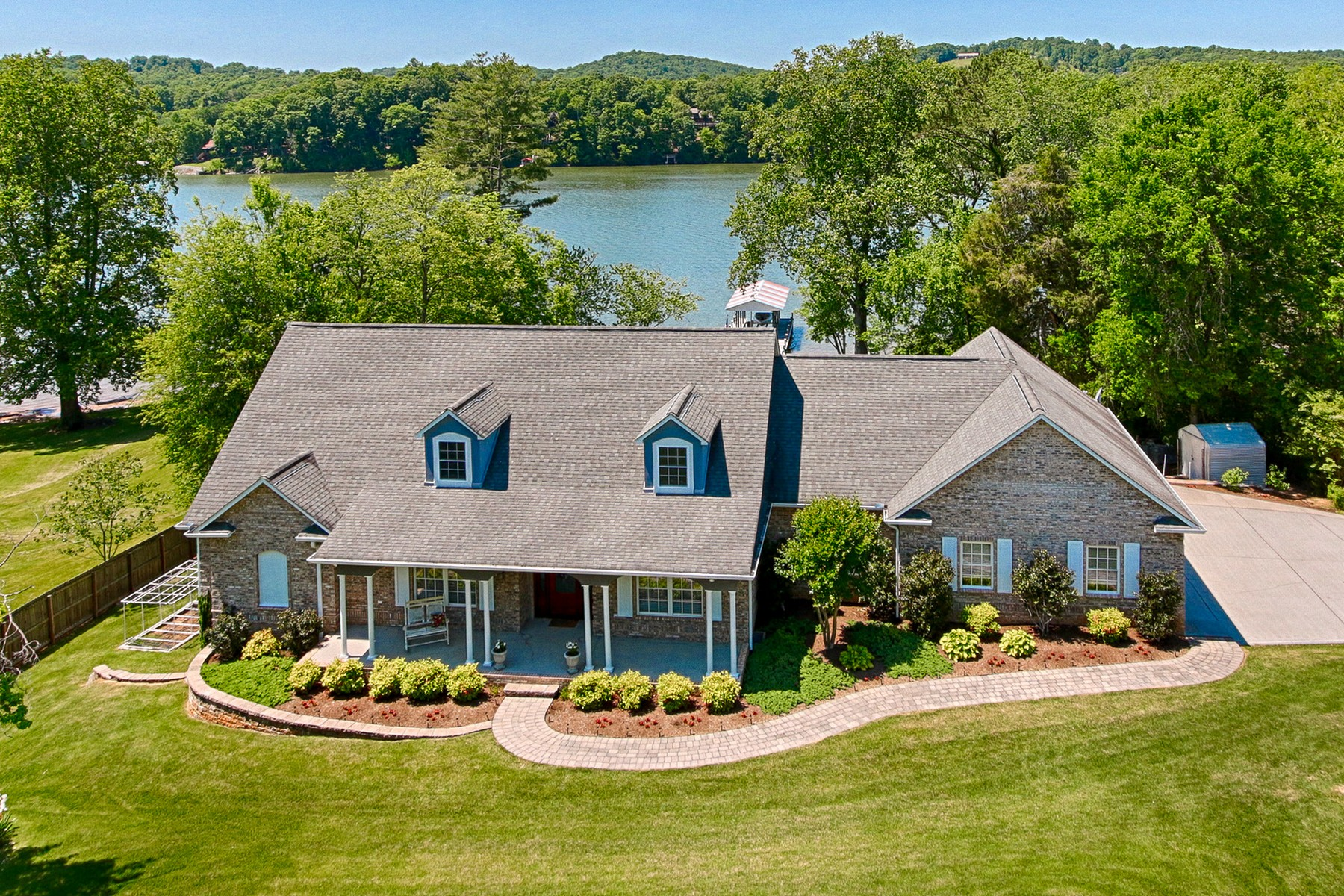 sales property at Luxurious Lakefront Living