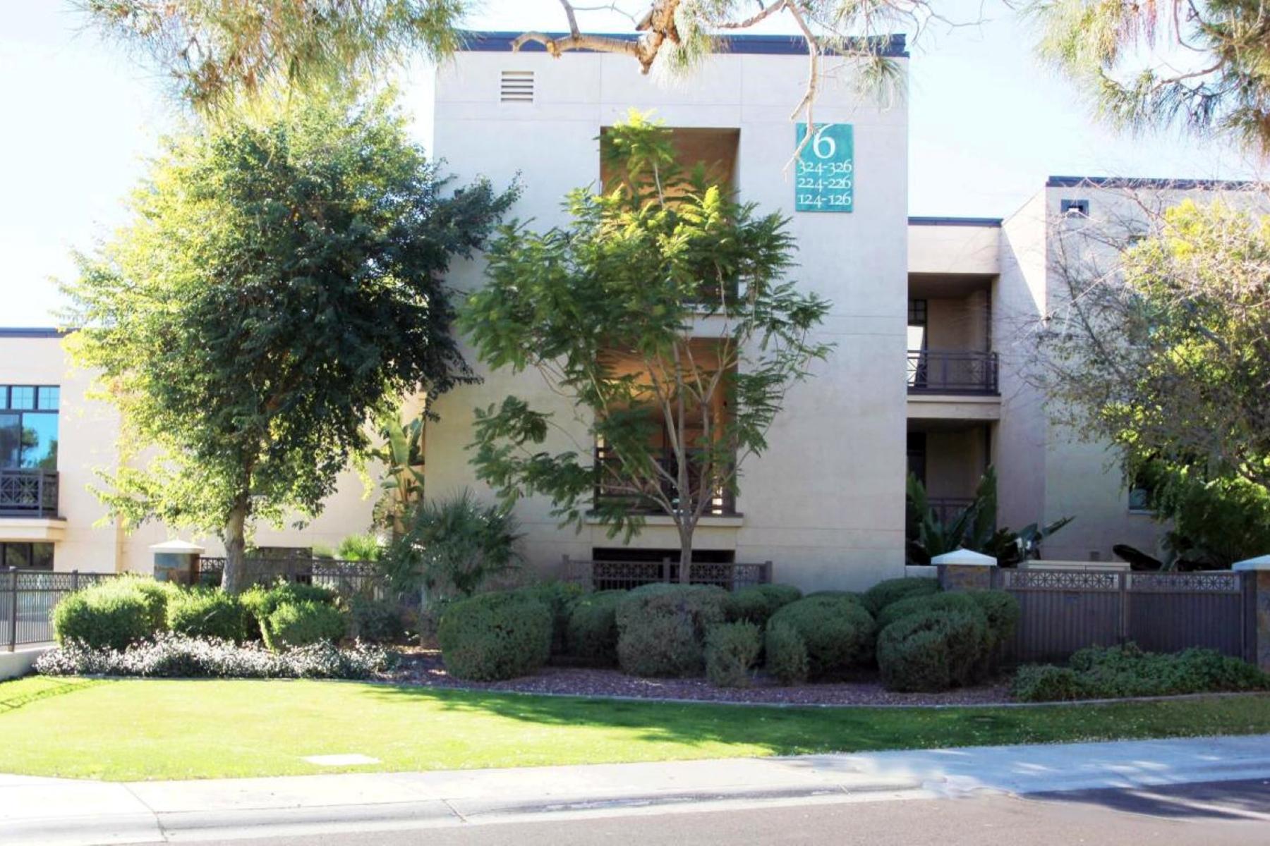 Condominio por un Venta en Luxury Condo in The Fairway Lodge at The Biltmore 8 Biltmore Estates #126 Phoenix, Arizona 85016 Estados Unidos