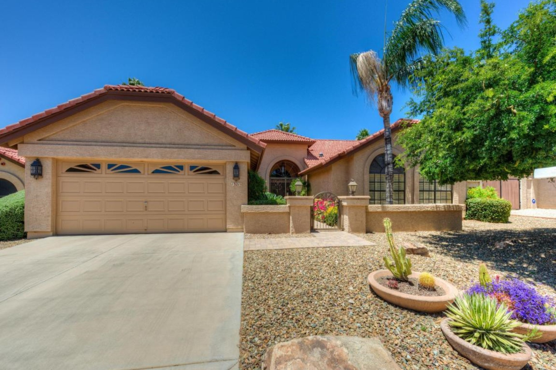 獨棟家庭住宅 為 出售 在 Beautiful home in Mountainview Ranch 13218 N 101st Pl Scottsdale, 亞利桑那州, 85260 美國