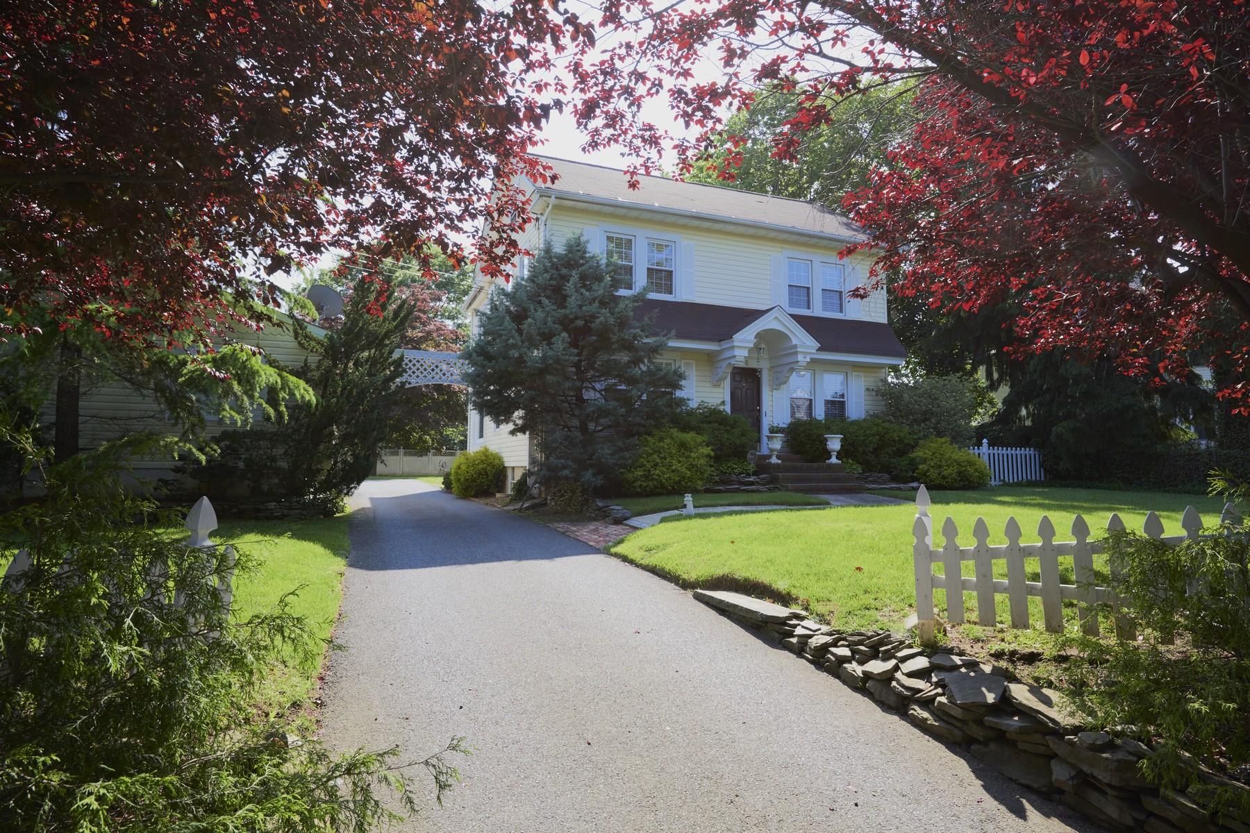 단독 가정 주택 용 매매 에 Country Charm 6 Wardell Avenue Rumson, 뉴저지 07760 미국