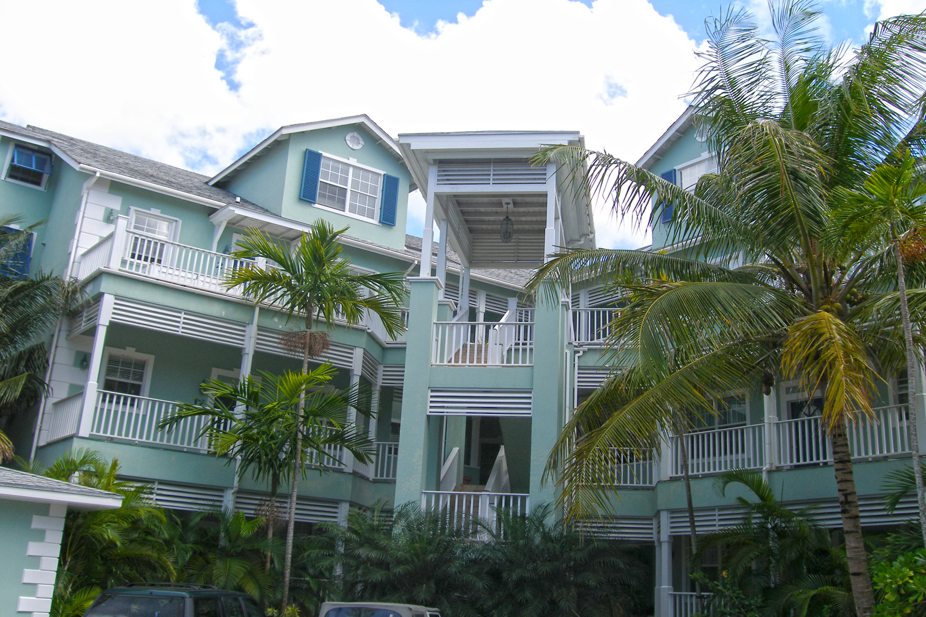 Additional photo for property listing at Penthouse Apartment with Gorgeous Ocean Views Sandyport, Cable Beach, Nassau And Paradise Island Bahamas
