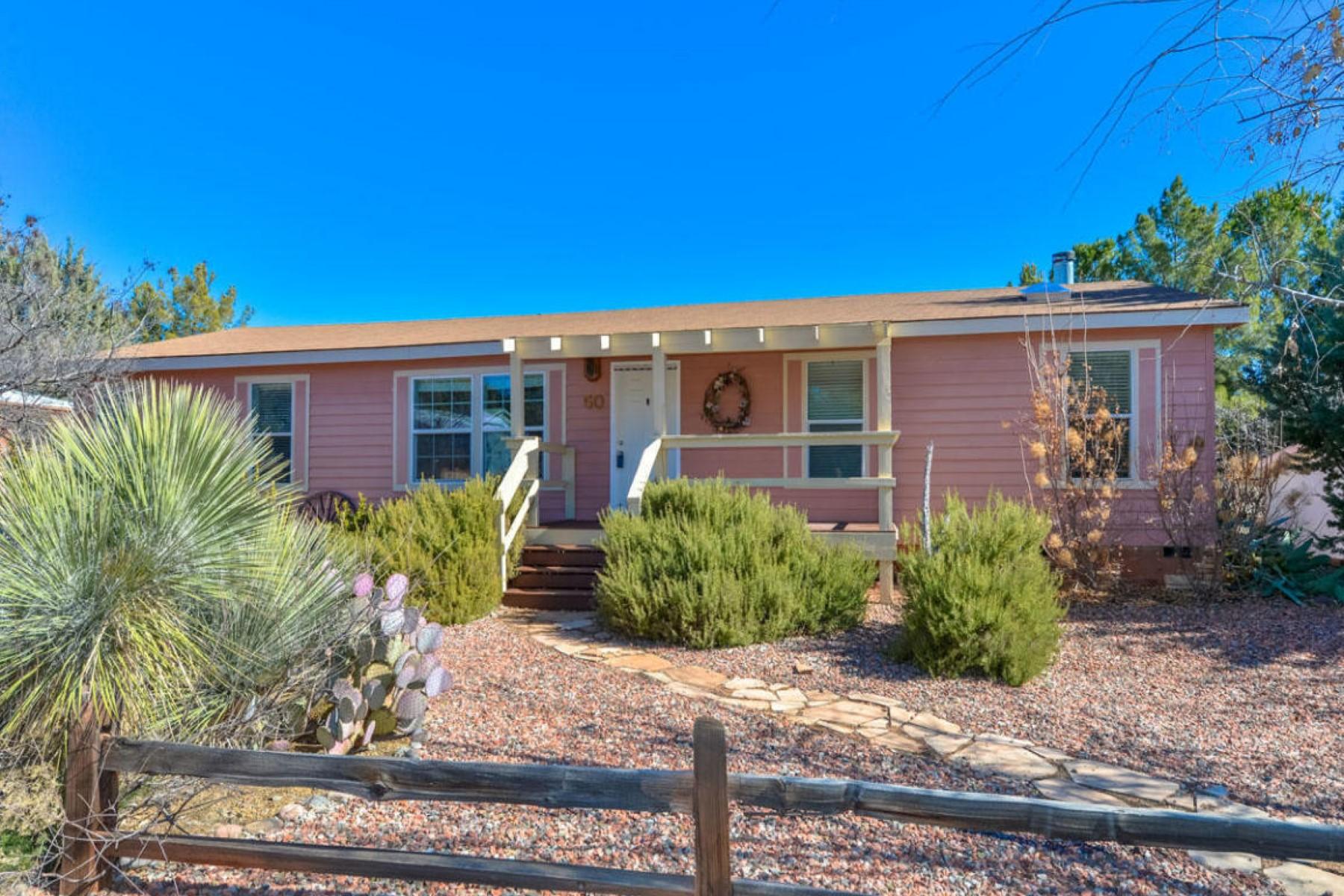 Einfamilienhaus für Verkauf beim Beautiful three bedroom home 50 Mesquite Circle Sedona, Arizona 86336 Vereinigte Staaten