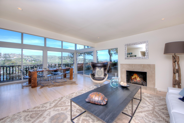 独户住宅 为 销售 在 A Mid-Century Home Nestled on the Exclusive Belvedere Island 21 Oak Place 贝尔韦代雷, 加利福尼亚州, 94920 美国