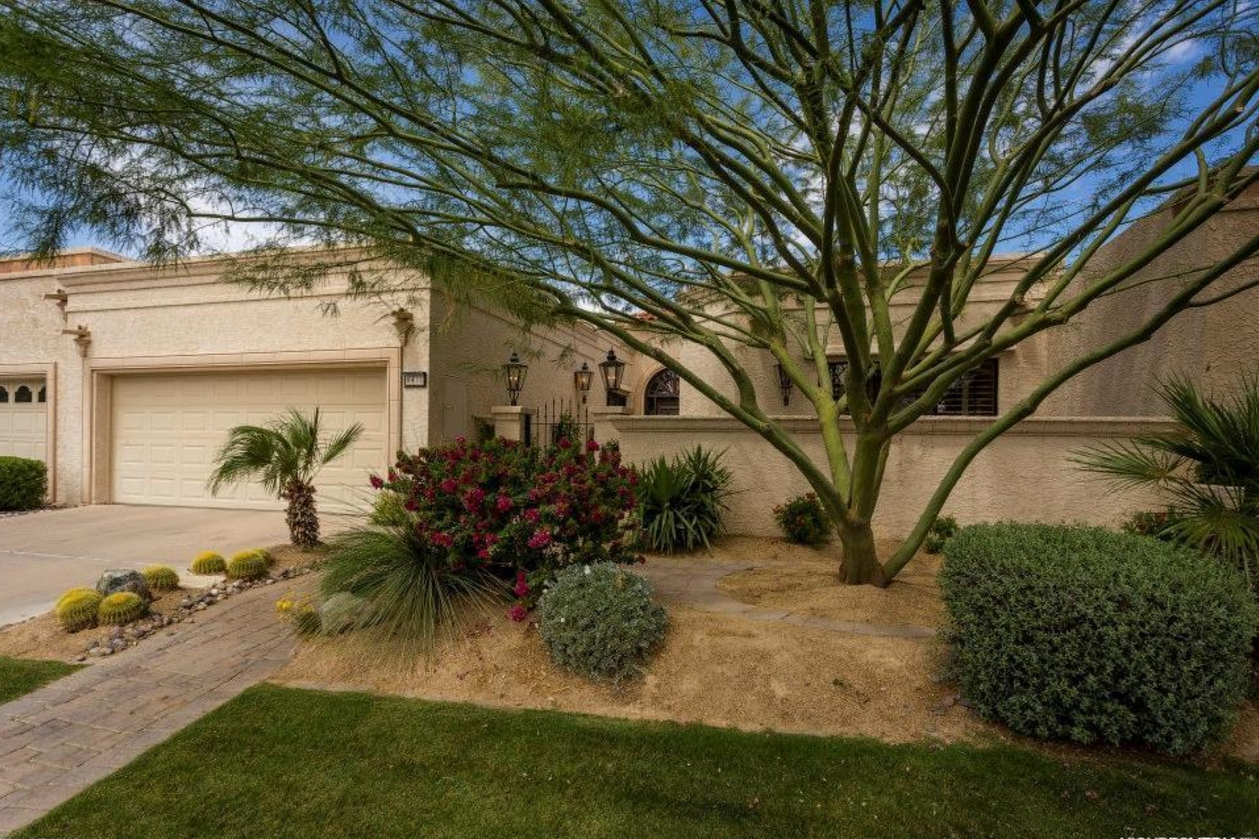 Single Family Home for Sale at Exquisite, Totally Remodeled Luxury Home In The Heart Of McCormick Ranch 8432 E Del Camino Drive Scottsdale, Arizona 85258 United States