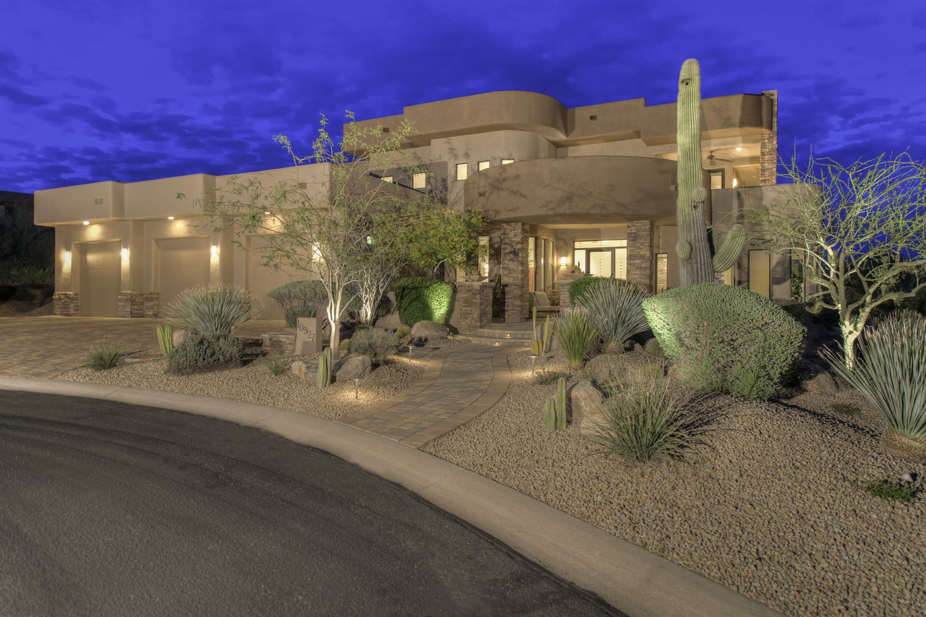 Single Family Home for Sale at Exquisite Home In The Guard Gated Golf Community Of Candlewood Estates At Troon 10927 E Skinner Drive Scottsdale, Arizona, 85262 United States