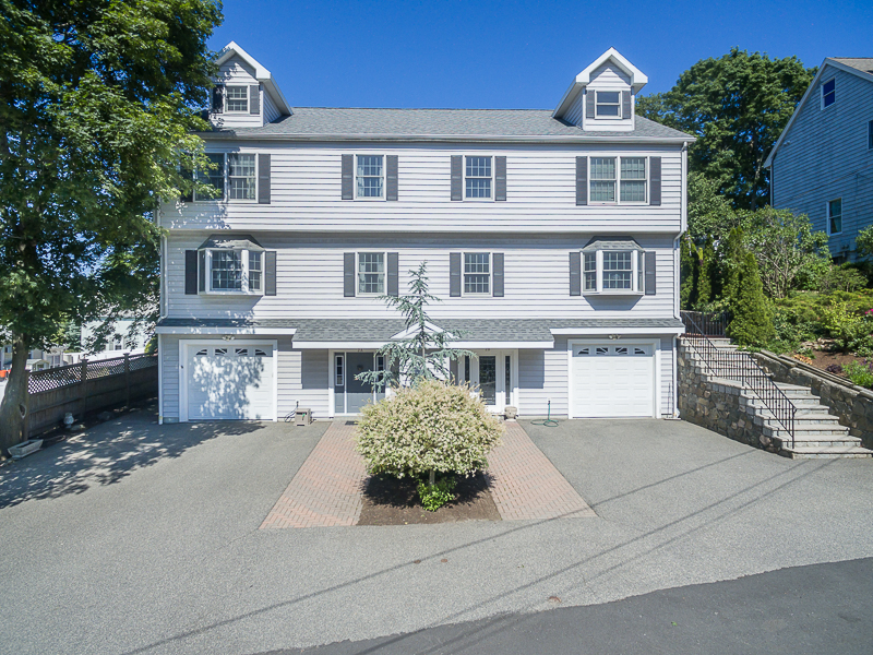 Single Family Home for Sale at 2003 Constructed Townhouse Condo in Move-in Condition With Flexible Floor Plan 2 Alvin Road Unit A Swampscott, Massachusetts, 01907 United States