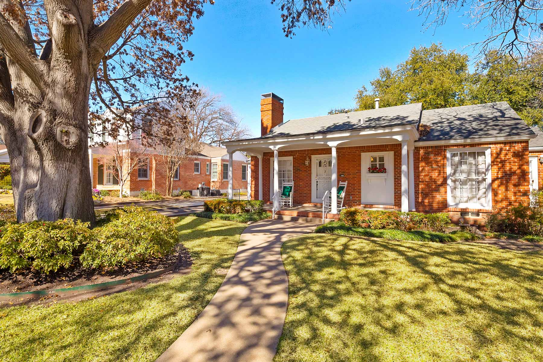 Single Family Home for Sale at Charming Home with Tons of Character 3900 Potomac Avenue Fort Worth, Texas, 76107 United States