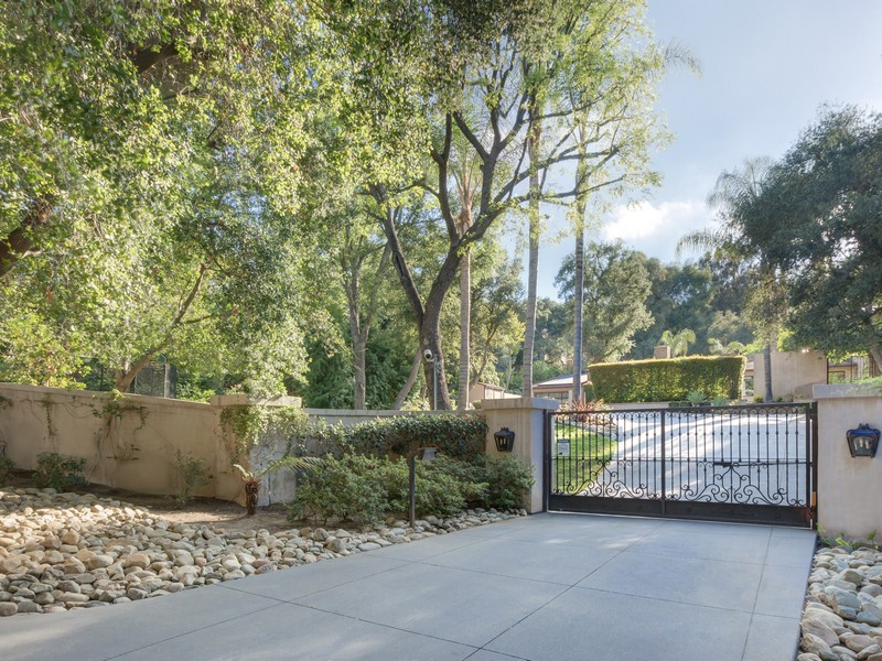 Property For Sale at 4515 Encino Ave