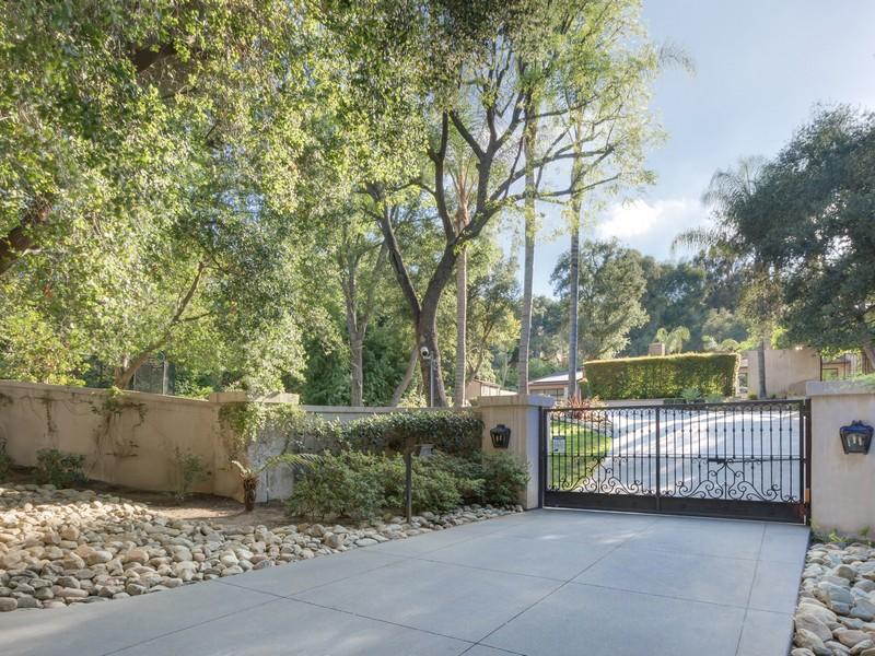 Maison unifamiliale pour l Vente à 4515 Encino Ave Encino, Californie 91316 États-Unis