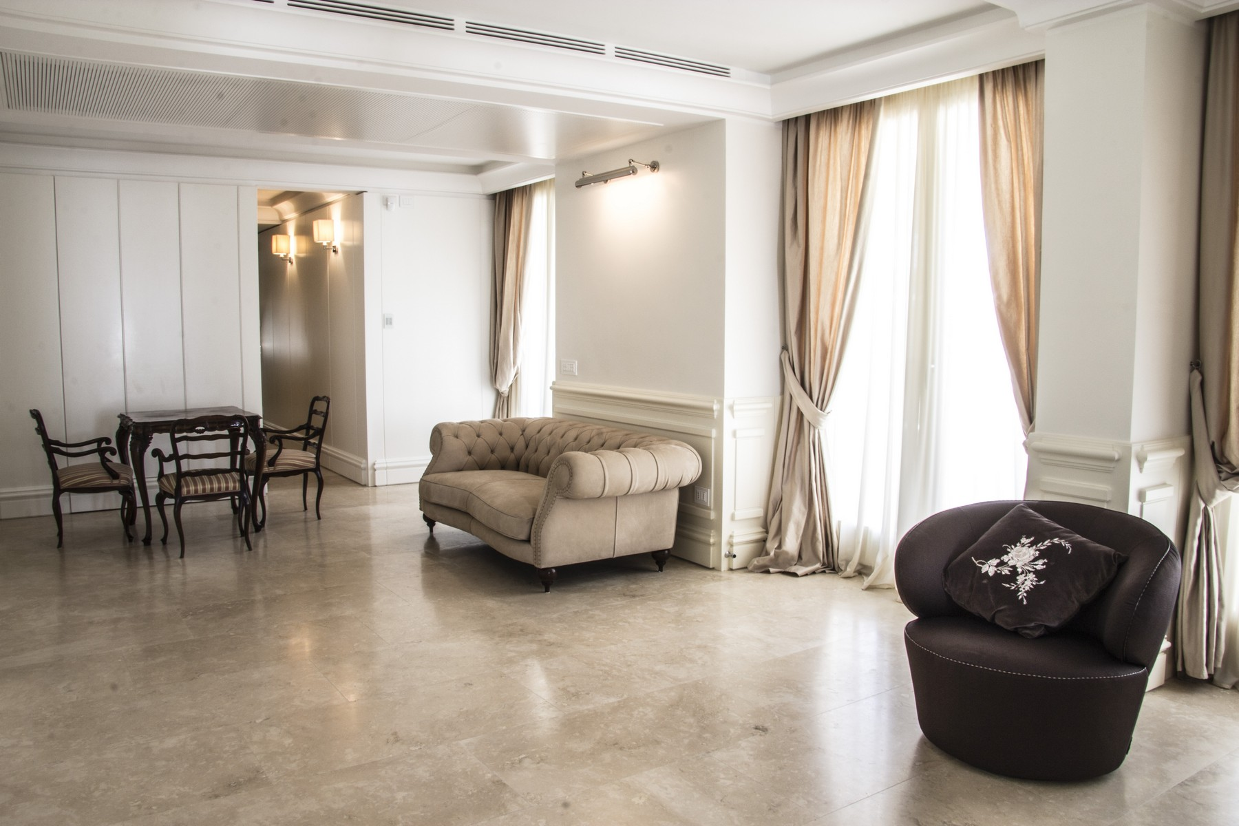 Additional photo for property listing at Stunning Penthouse in Rome Parioli  Rome, Rome 00197 Italy