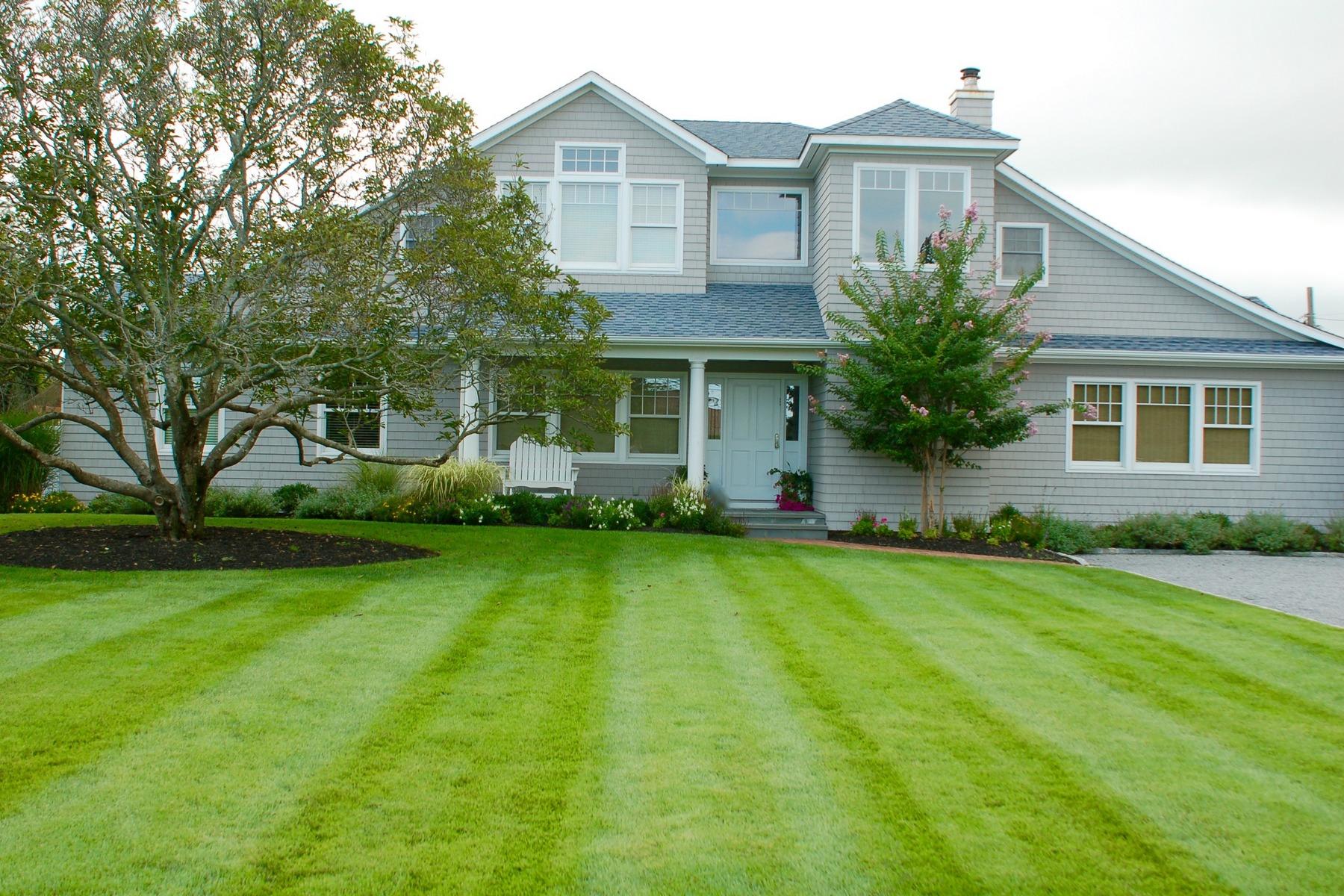 独户住宅 为 销售 在 Hampton Classic - Prime Location 25 Jessup Lane Westhampton Beach, 纽约州 11978 美国