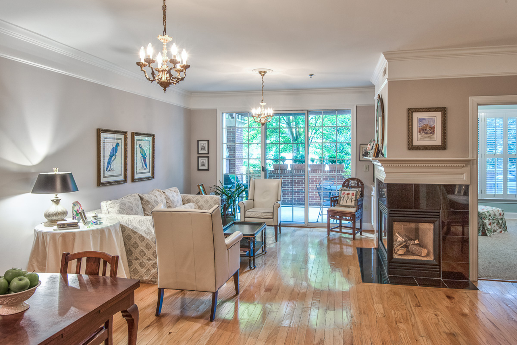 Condominium for Sale at Sophisticated Two Bedroom With Private Terrace 3101 Howell Mill Road #109 Buckhead, Atlanta, Georgia 30327 United States