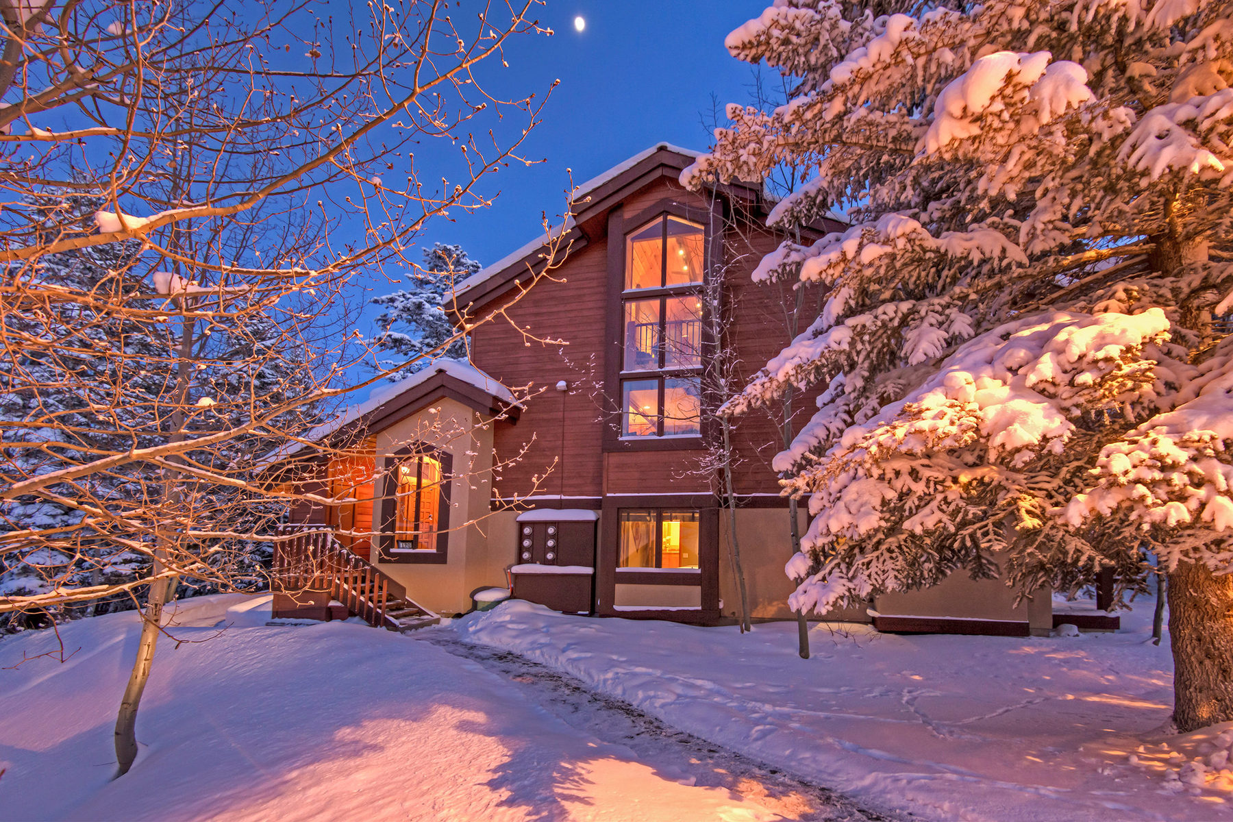Maison de Ville pour l Vente à Seller Financing Available Thoughtfully Remodeled 8028 Ridgepoint Dr #120 Park City, Utah 84060 États-Unis