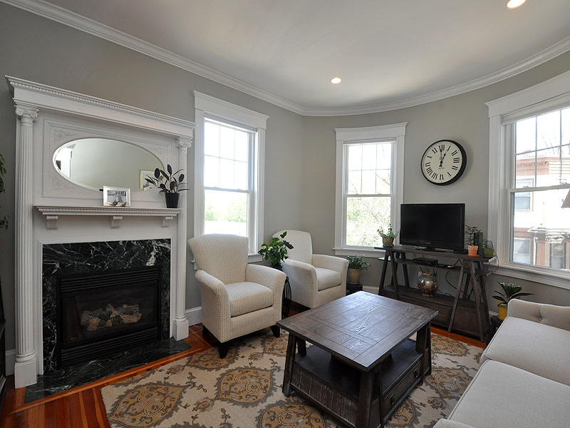 共管式独立产权公寓 为 销售 在 Beautiful Jamaica Plain Condo 71 Parkton Road Unit 2 Jamaica Plain, Boston, 马萨诸塞州 02130 美国