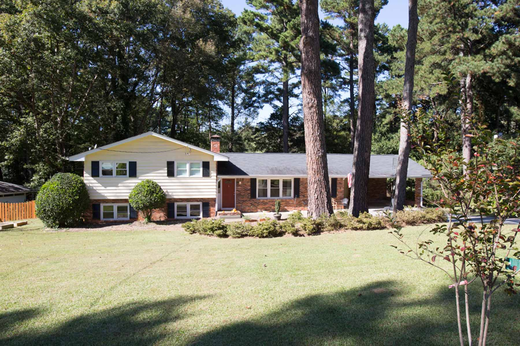 Single Family Home for Sale at Spacious Home On Nice Lot 3484 Embry Circle Atlanta, Georgia 30341 United States