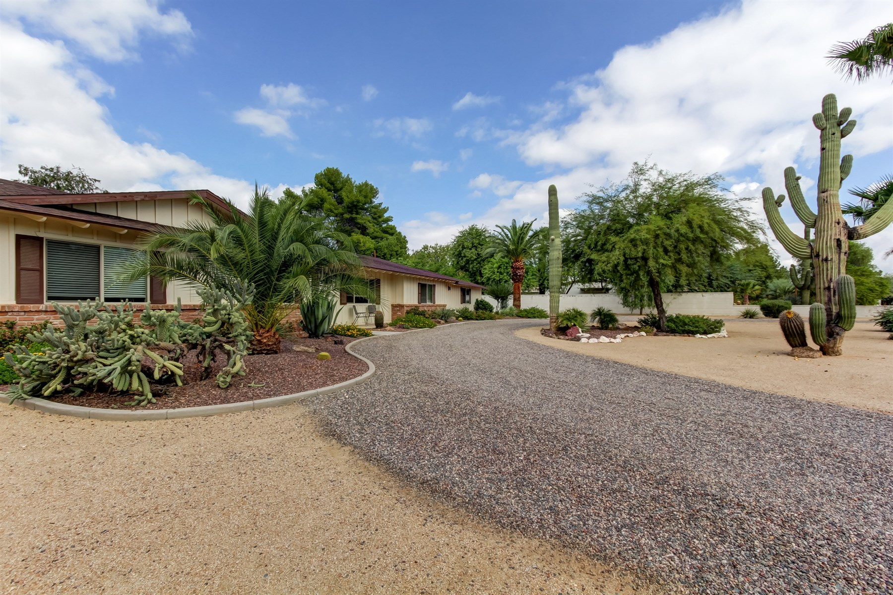 獨棟家庭住宅 為 出售 在 Amazing renovated ranch style home 10832 N Sundown Dr Scottsdale, 亞利桑那州, 85260 美國