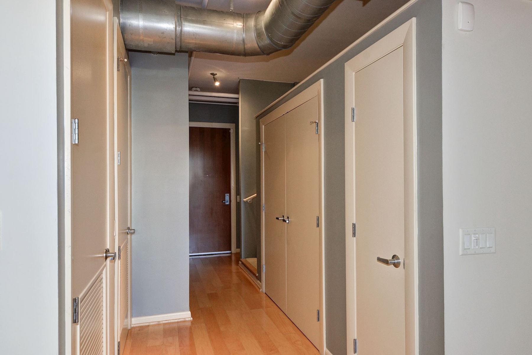 Additional photo for property listing at Madrigal Lofts 811 4th Street Nw 114 Washington, Distretto Di Columbia 20001 Stati Uniti