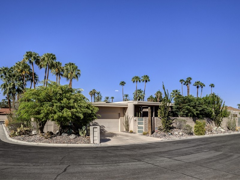 Single Family Home for Sale at 37655 Peacock Circle Rancho Mirage, California 92270 United States