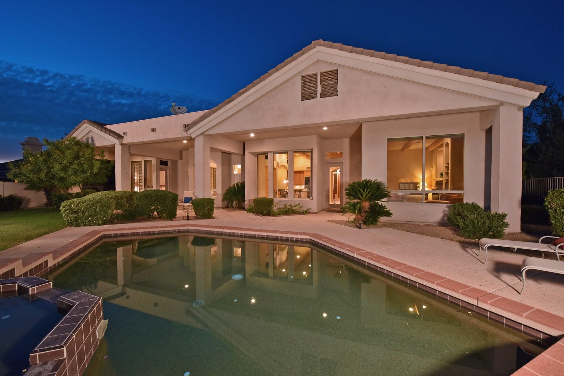 Частный односемейный дом для того Продажа на Great find at Saguaro Canyon in Troon Village on prime interior corner lot 11947 E Parkview Ln Scottsdale, Аризона, 85255 Соединенные Штаты