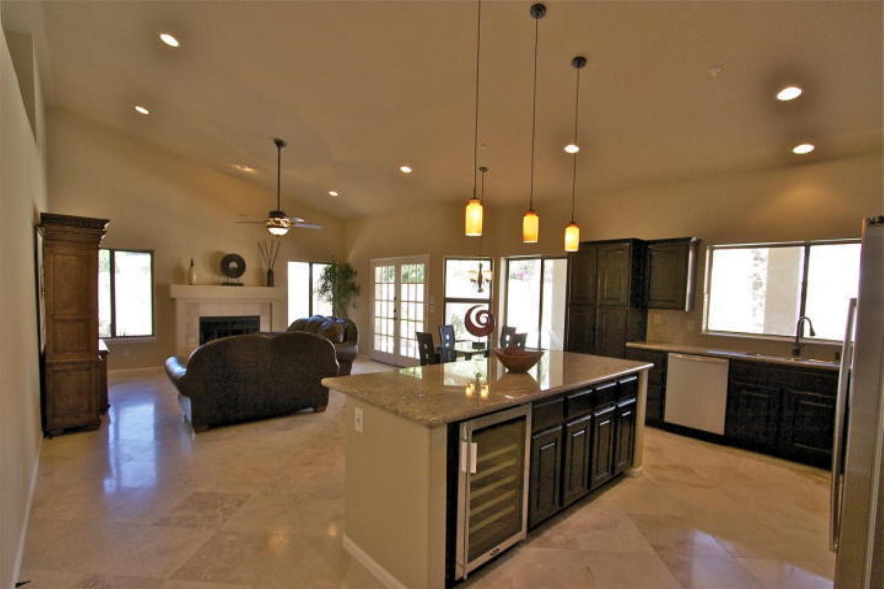 Casa para uma família para Venda às Luxurious home was completely remodeled in Scottsdale 10672 E Mission Ln Scottsdale, Arizona 85258 Estados Unidos