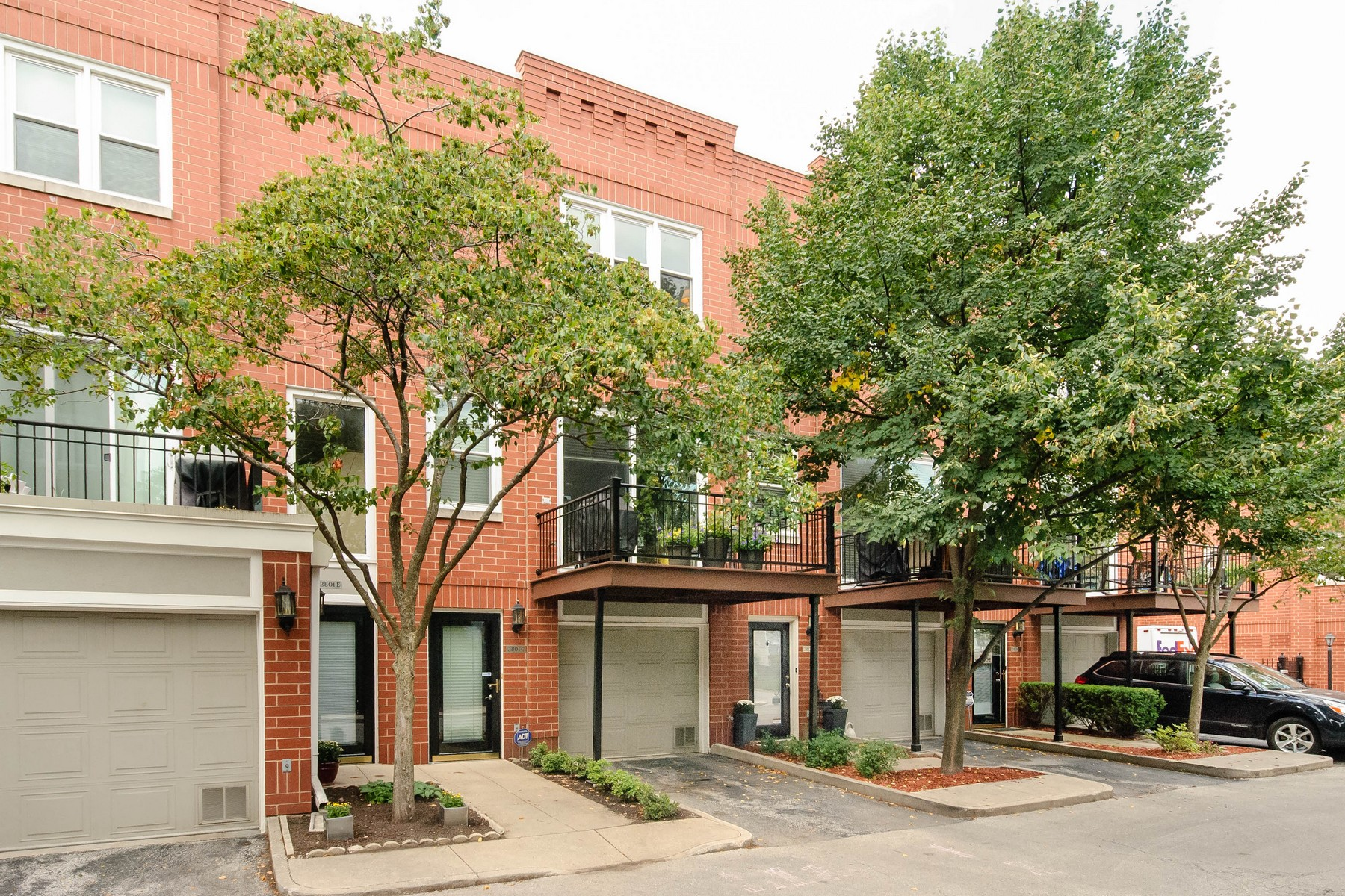 Townhouse for Sale at Spacious Townhome 2801 N Wolcott Avenue Unit C North Center, Chicago, Illinois 60657 United States