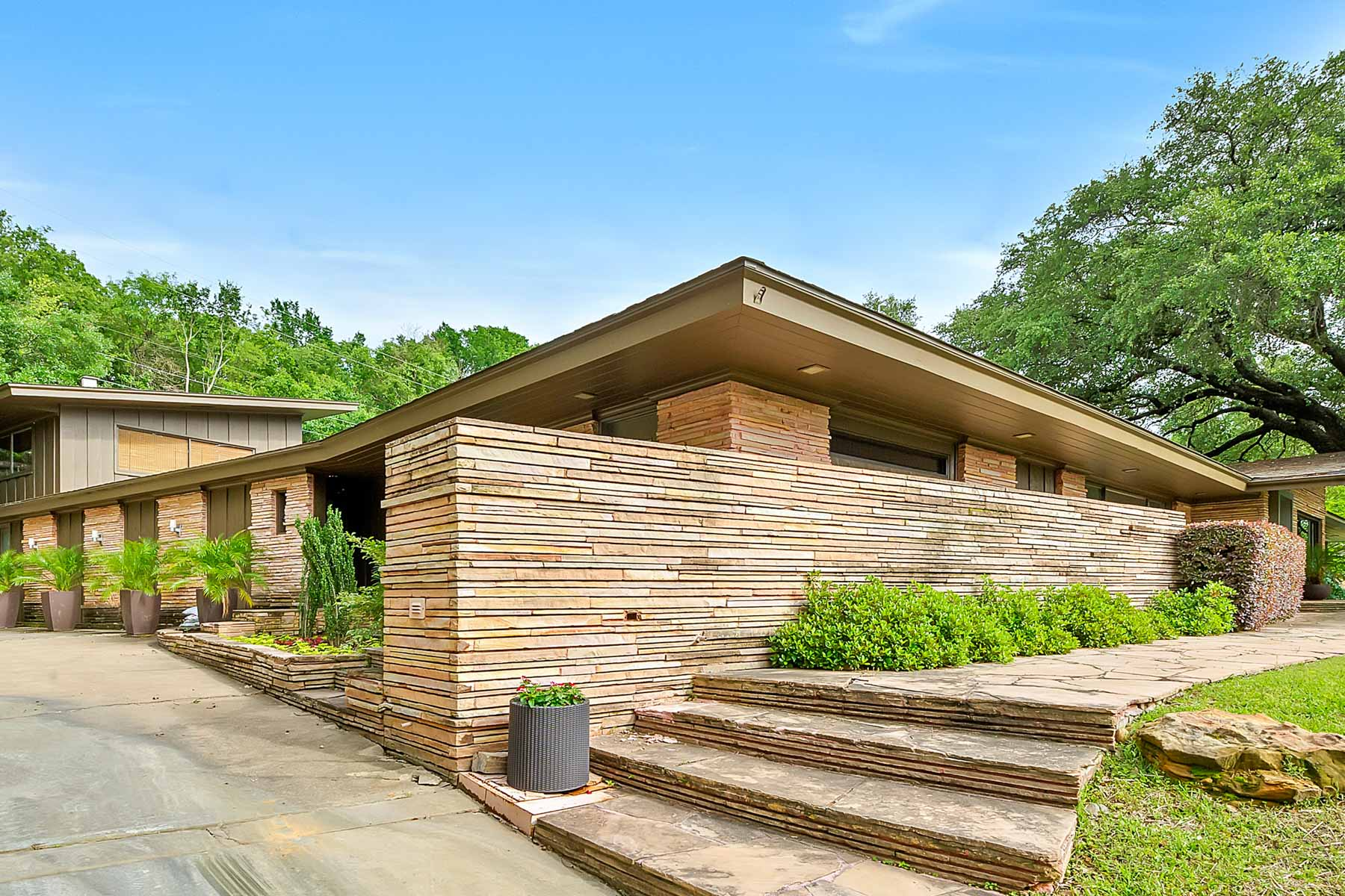 Villa per Vendita alle ore 309 Hazelwood Dr Fort Worth, Texas, 76107 Stati Uniti
