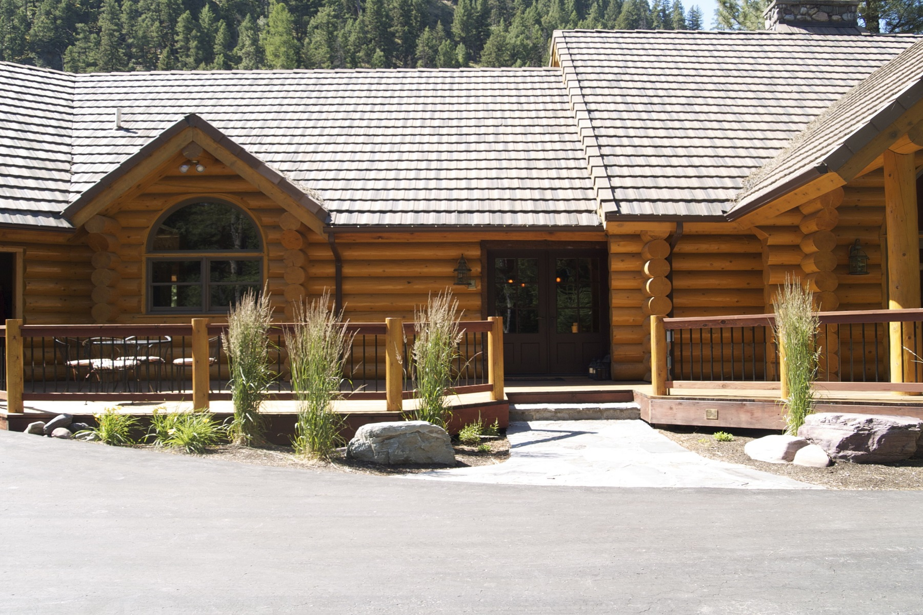 Single Family Home for Sale at Blackfoot River Lodge 18465 Hwy 200 E Bonner, Montana, 59823 United States