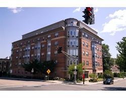 Condomínio para Venda às Spacious, modern 2 bed + den condo. 120 Mountfort St Unit 102 Fenway, Boston, Massachusetts 02215 Estados Unidos