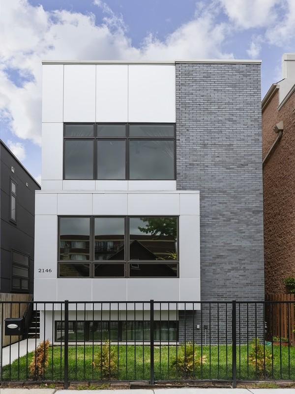 Частный односемейный дом для того Продажа на Striking Modern Construction 2146 W Race Avenue West Town, Chicago, Иллинойс 60612 Соединенные Штаты