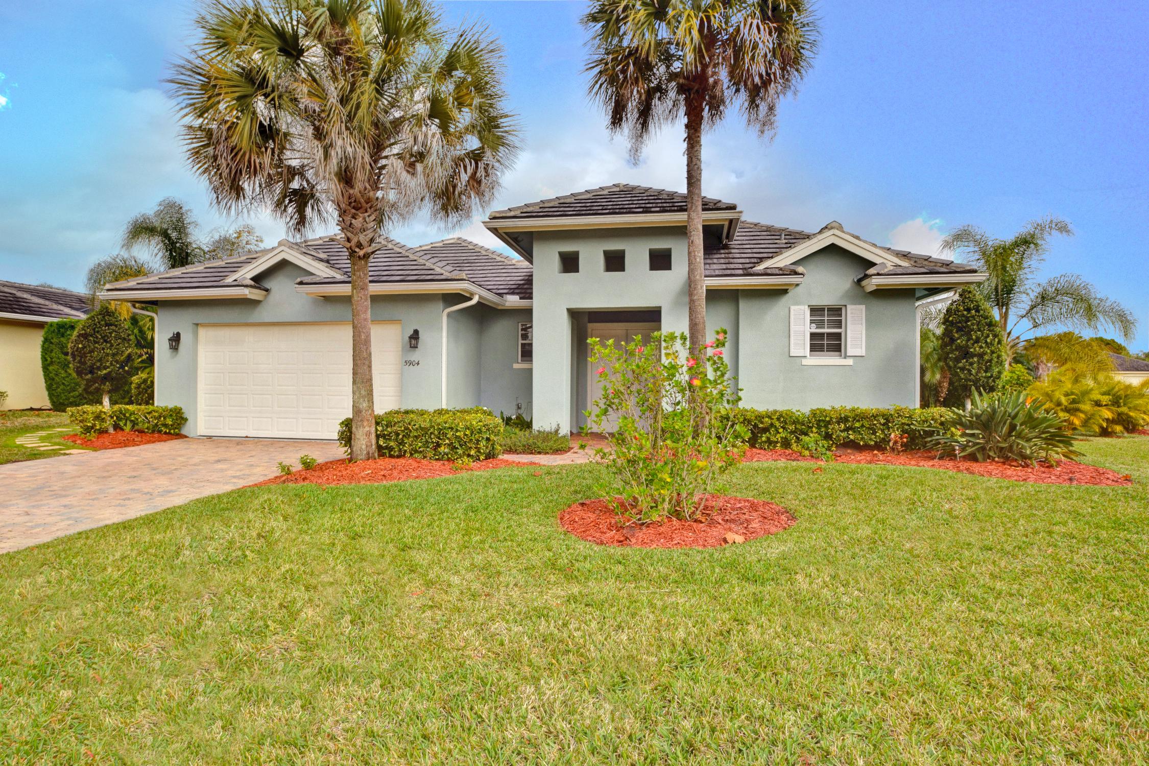 Single Family Home for Sale at Beautiful Brae Burn Estates Pool home 5904 Brae Burn Circle Vero Beach, Florida, 32967 United States