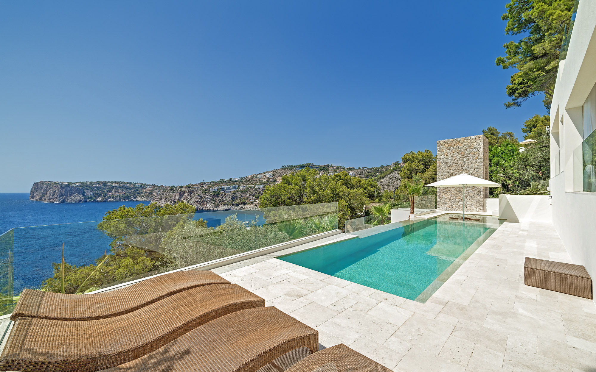 Villa With Fantastic Sea Views In Cala Llamp