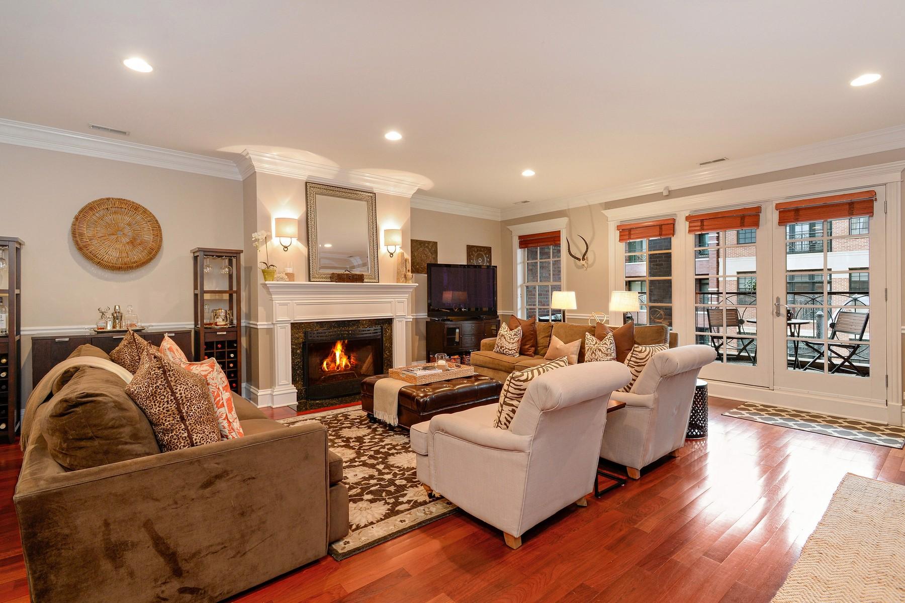 콘도미니엄 용 매매 에 Stunning Luxury Lincoln Park Condo 2625 N Halsted Street #3 Lincoln Park, Chicago, 일리노이즈 60614 미국