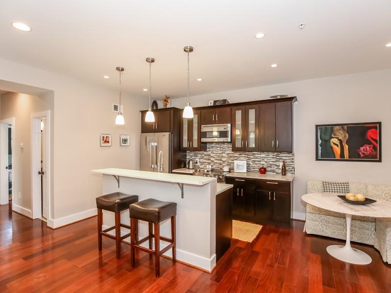 Кооперативная квартира для того Продажа на Glover Park 4004 Edmunds Street Nw 1 Washington, Округ Колумбия 20007 Соединенные Штаты