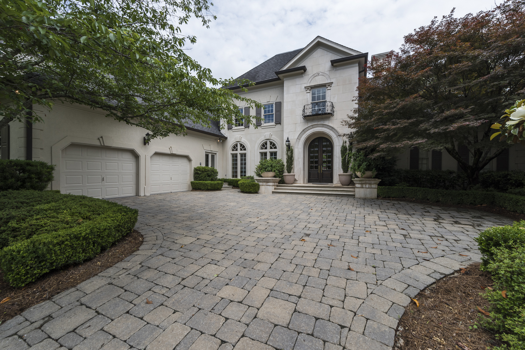 獨棟家庭住宅 為 出售 在 Elegant Home On Sought After Cul-de-sac In Heart Of Buckhead 3233 Andrews Court NW Buckhead, Atlanta, 喬治亞州, 30305 美國