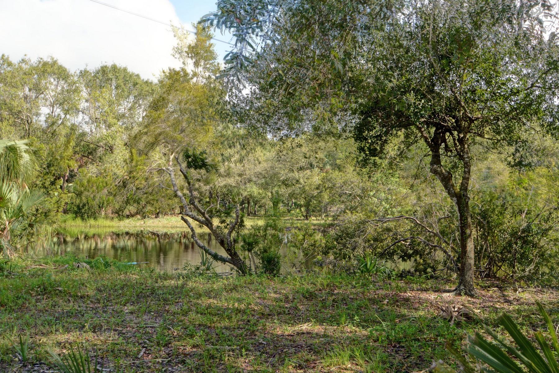 Maison unifamiliale pour l Vente à Indian River Farms 2385 66th Avenue Vero Beach, Florida, 32968 États-Unis