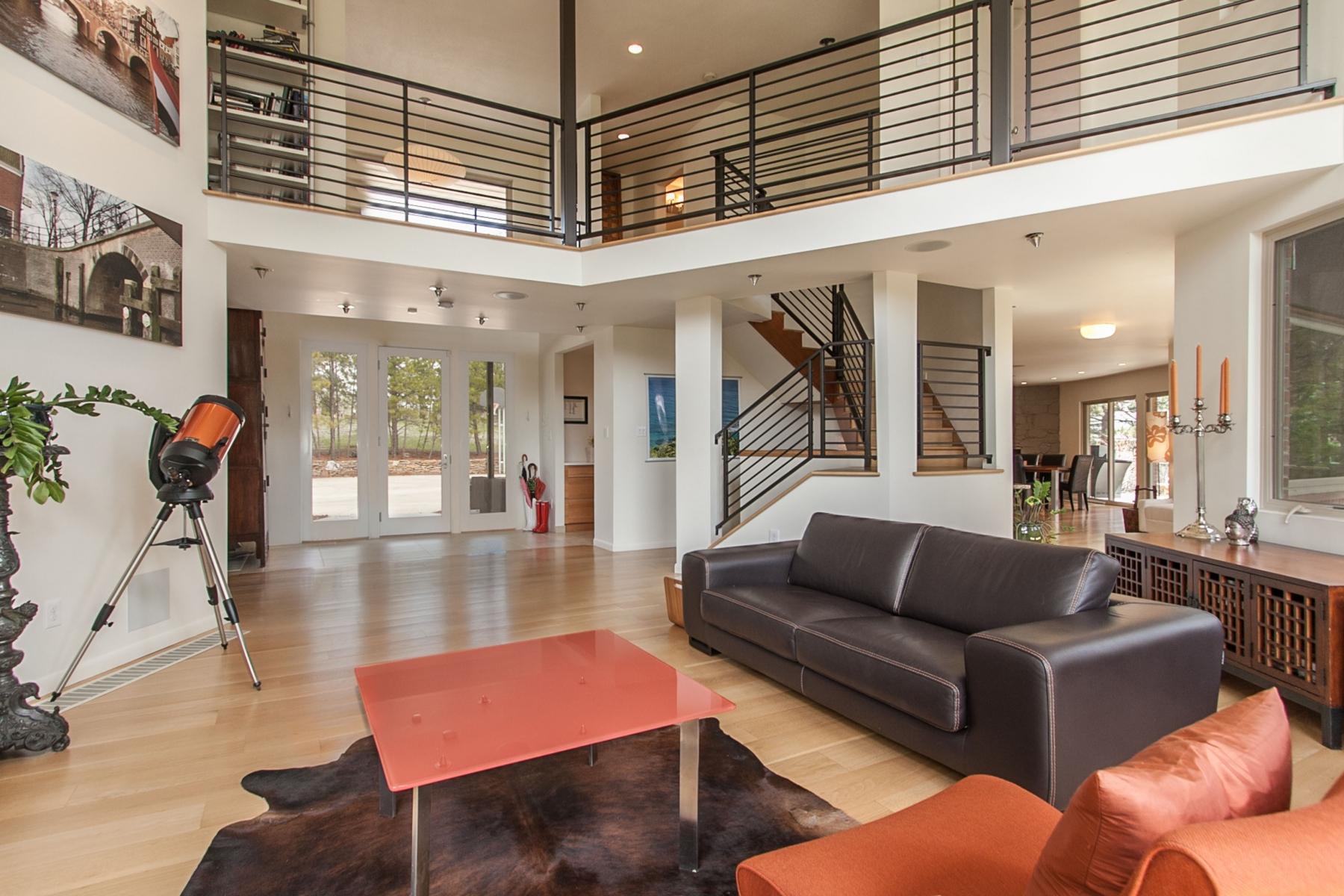 Maison unifamiliale pour l Vente à Reclaimed Retro 2830 Interlocken Drive Evergreen, Colorado 80439 États-Unis