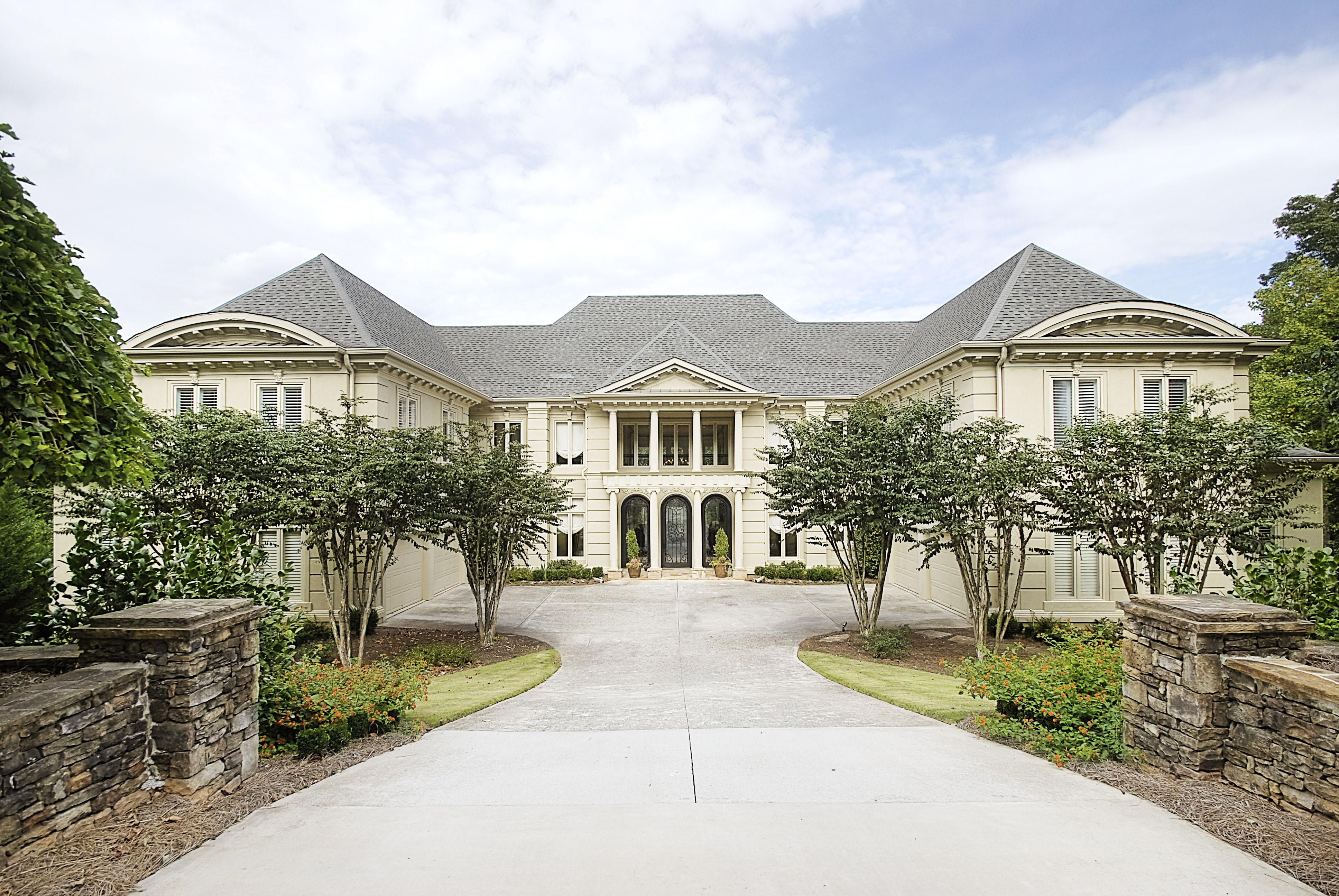 Nhà ở một gia đình vì Bán tại Extraordinary European Elegance 1275 Stuart Ridge Alpharetta, Georgia 30022 Hoa Kỳ