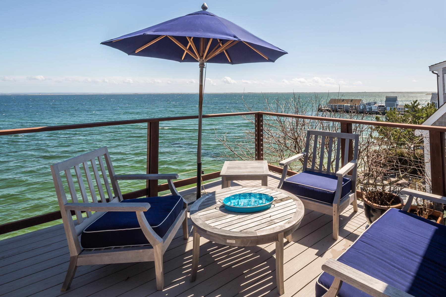 Condomínio para Venda às Exquisite Waterfront Penthouse 93 Commercial Street, Unit 8 Provincetown, Massachusetts, 02657 Estados Unidos