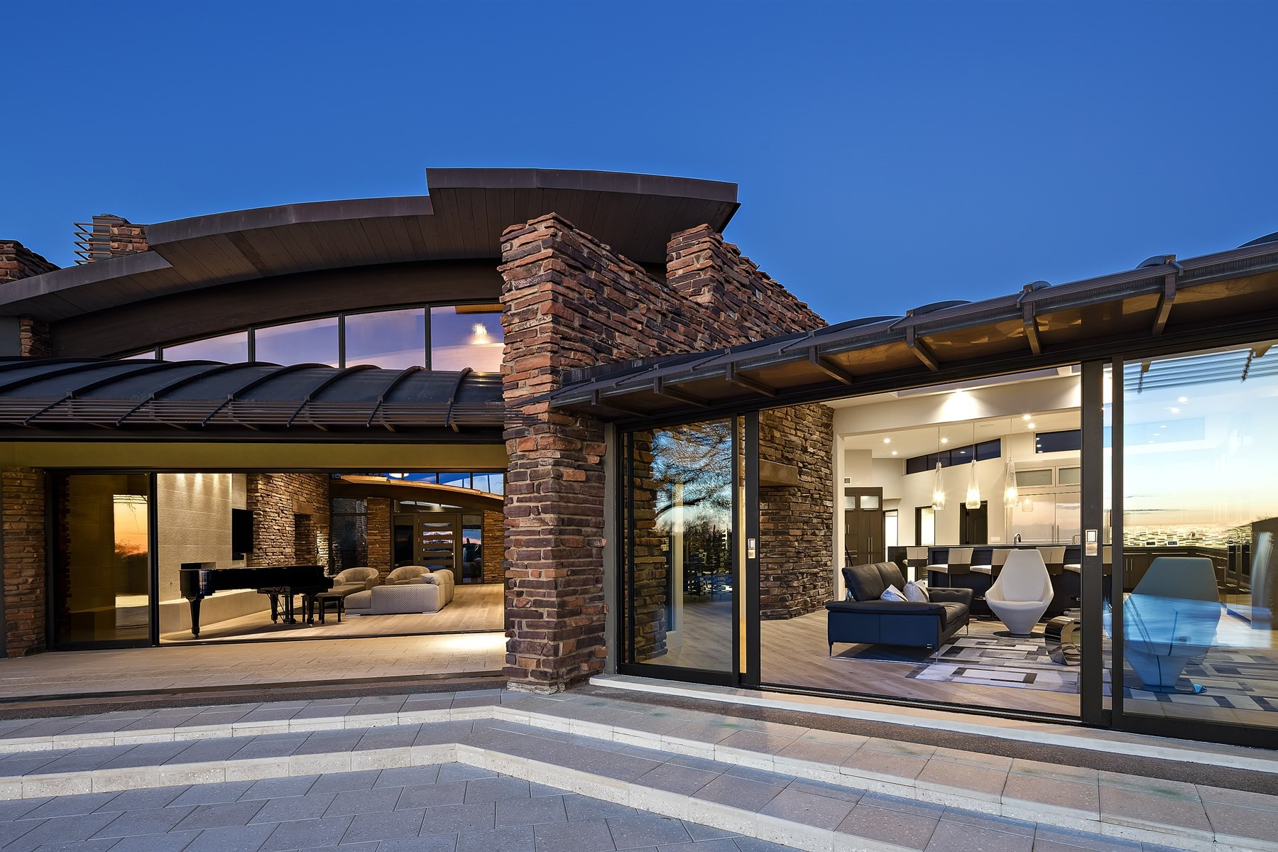 단독 가정 주택 용 매매 에 Timeless contemporary estate by Bob Bacon 10040 E Happy Valley Rd #5 Scottsdale, 아리조나, 85255 미국