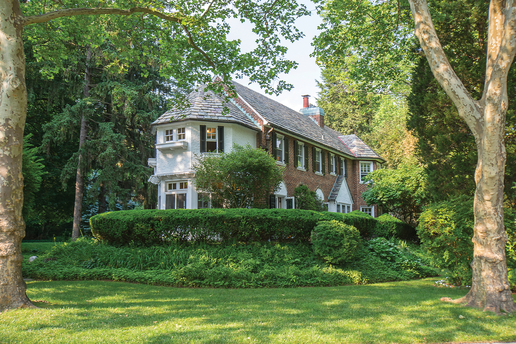 Single Family Home for Sale at Magnificient Bala Cynwyd Colonial 135 Rolling Road Bala Cynwyd, Pennsylvania, 19004 United States